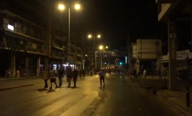 Επεισόδια μεταξύ αστυνομίας και διαδηλωτών έξω από τη ΓΑΔΑ (vid) | panathinaikos24.gr