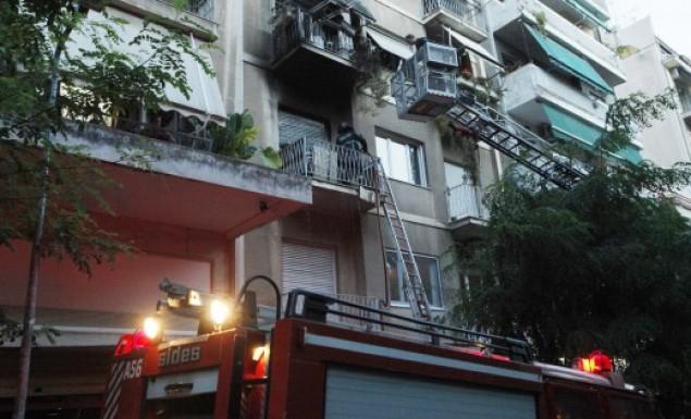 Πυρκαγιά σε διαμέρισμα στο Μαρούσι – Έχουν εγκλωβιστεί τρία άτομα | panathinaikos24.gr