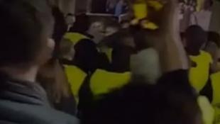 Ξύλο στο «Καμπ Νου»: Οι stewards επιτέθηκαν σε οπαδούς της Τότεναμ! (vid)