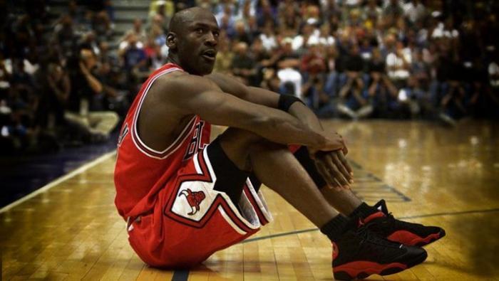 Τα «απαγορευμένα» παπούτσια του Μάικλ Τζόρνταν που εκτόξευσαν τη Nike (Pics) | panathinaikos24.gr