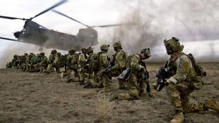 Ανάμεσα σε γερμανικά και φίλια πυρά: Η άσκηση με τους 1000 Αμερικανούς νεκρούς που εξελίχθηκε σε νέο Περλ Χάρμπορ