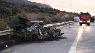 Νέα τραγωδία στην Εγνατία! Τροχαίο με τρεις νεκρούς κι έξι τραυματίες (pics)