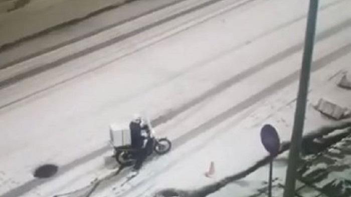 Είναι γαϊδουριά να παραγγέλνεις όταν έξω χιονίζει; | panathinaikos24.gr