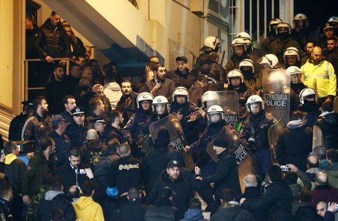 ΑΕΚ – ΠΑΟΚ: Επεισόδια στο ΟΑΚΑ | panathinaikos24.gr