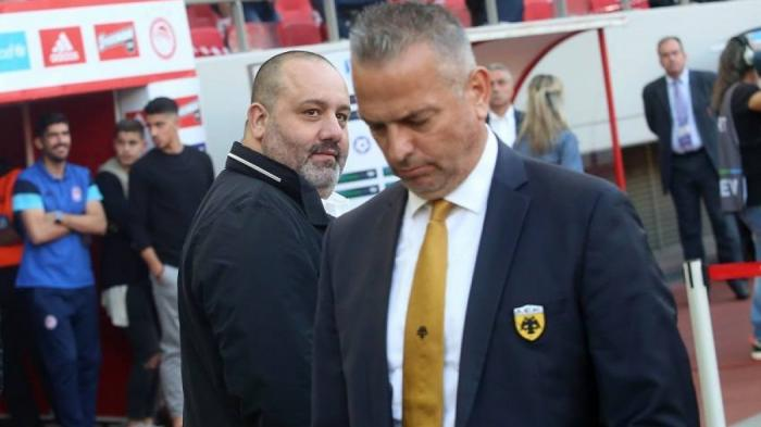 «Αρπάχτηκαν» Καραπαπάς και Δημητριάδης κατά την άφιξη της ΑΕΚ! | panathinaikos24.gr