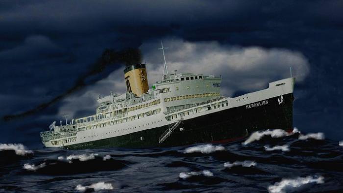 «Μην το αφήσεις να μπει, θα πνιγούμε»: Το λάθος που βύθισε το πιο γρήγορο ελληνικό πλοίο (Pics) | panathinaikos24.gr