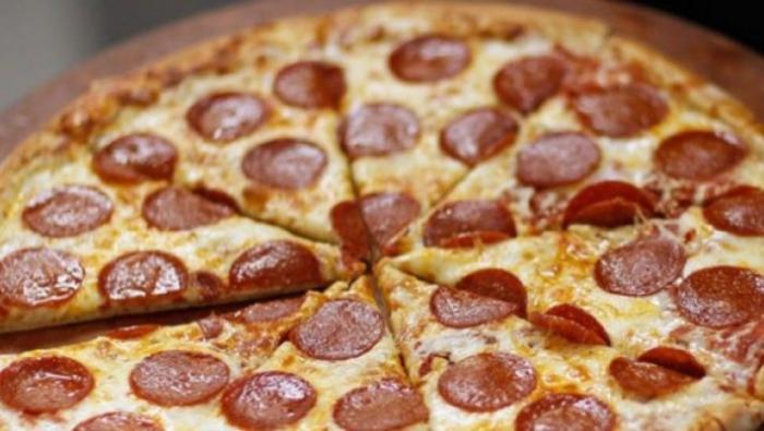 Pizza Hut και KFC ετοιμάζουν την πίτσα της 10ετίας   panathinaikos24.gr