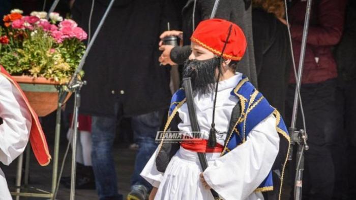 Ο μικρός τσολιάς που τρέλανε την Λαμία | panathinaikos24.gr