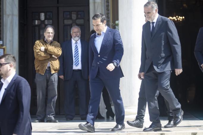 Ανέκδοτη ιστορία: Ο Τσίπρας και το δώρο-κειμήλιο από τον Θανάση Γιαννακόπουλο! | panathinaikos24.gr