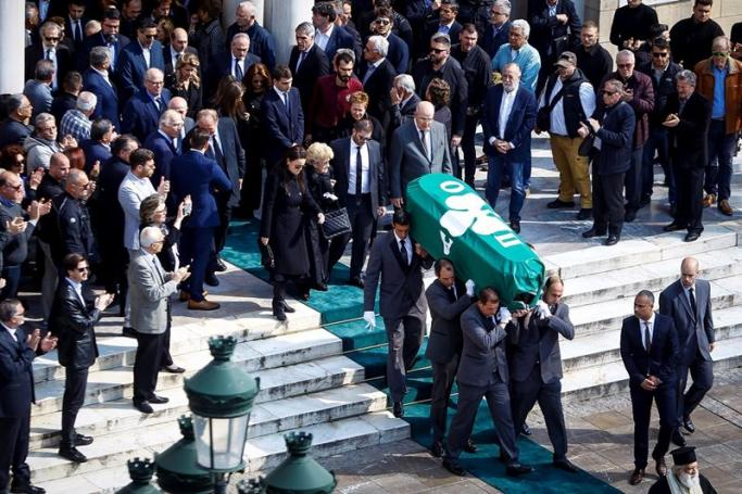 Ανατριχιαστικό βίντεο: Το ύστατο χαίρε στον Θανάση Γιαννακόπουλο (vid) | panathinaikos24.gr