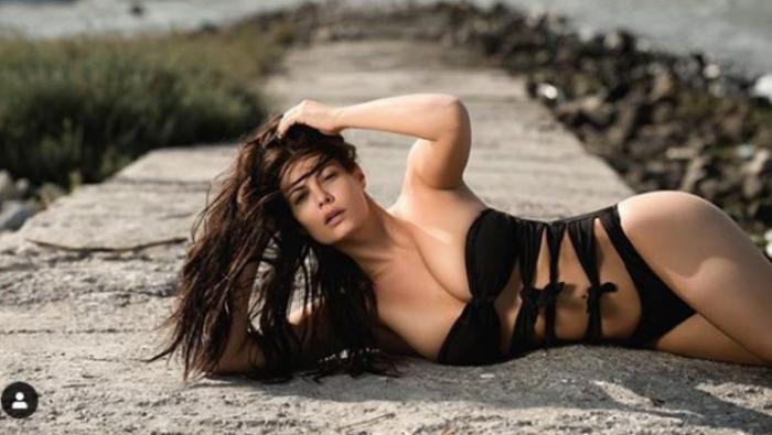 Η Μαρία Κορινθίου βασανίζει το ανδρικό κοινό (pics)   panathinaikos24.gr