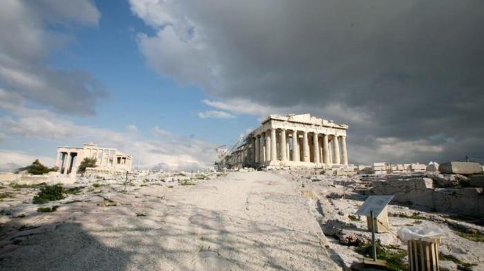 Έπεσε κεραυνός στην Ακρόπολη – Δυο τραυματίες | panathinaikos24.gr