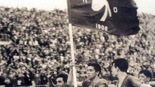Ο γύρος του θριάμβου μέσα στο «Καραϊσκάκη» για το αήττητο πρωτάθλημα (vid)