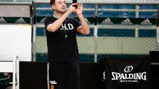 Απίθανος Πιτίνο: Βγάζει φωτογραφίες το άδειο ΟΑΚΑ (pics)