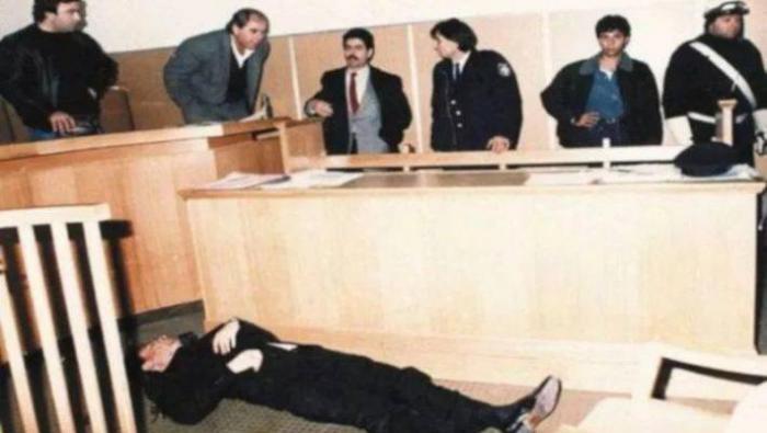 6 σφαίρες μπροστά στα μάτια των δικαστών: Ο Κρητικός που μετέτρεψε τα ισόβια σε θανατική ποινή | panathinaikos24.gr