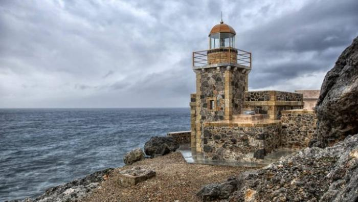 Αποκλεισμένος 10 μέρες απ' τα κύματα: Στον πιο επικίνδυνο Φάρο της Ελλάδας τα λάθη δεν συγχωρούνται | panathinaikos24.gr