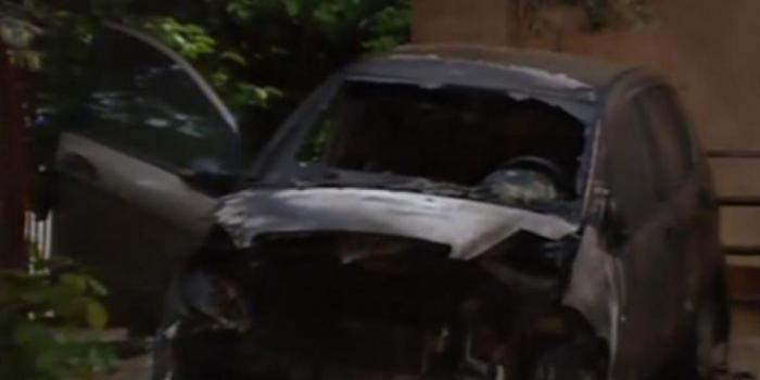 Εμπρηστική επίθεση κατά δημοσιογράφου – Της έκαψαν το αυτοκίνητο (vid) | panathinaikos24.gr