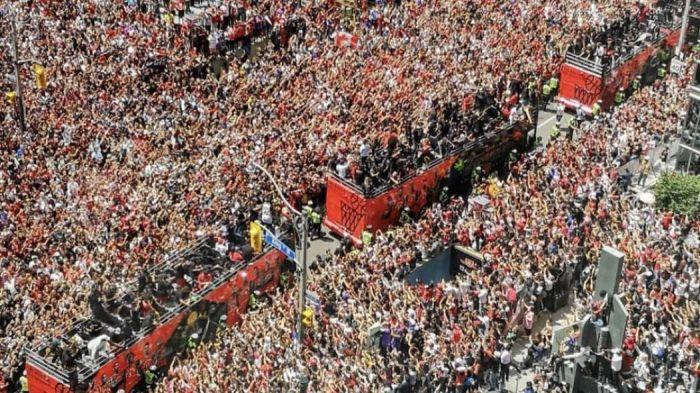 Χάος και πυροβολισμοί στην παρέλαση των Ράπτορς στο Τορόντο! (vid-pic) | panathinaikos24.gr