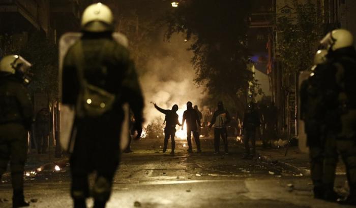 Επεισόδια έξω από το γήπεδο στο Περιστέρι – Έσπασαν αυτοκίνητα! | panathinaikos24.gr