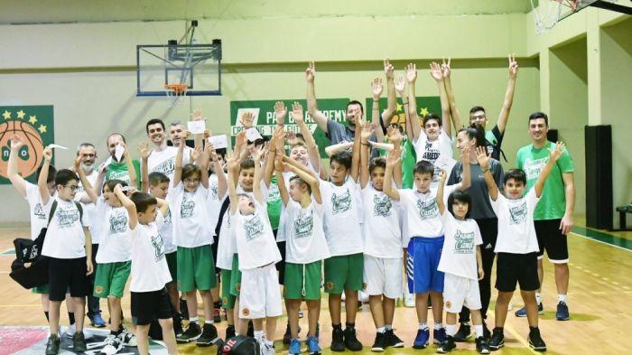 Στο camp της ακαδημίας του Παναθηναϊκού ο Βουγιούκας (pics) | panathinaikos24.gr