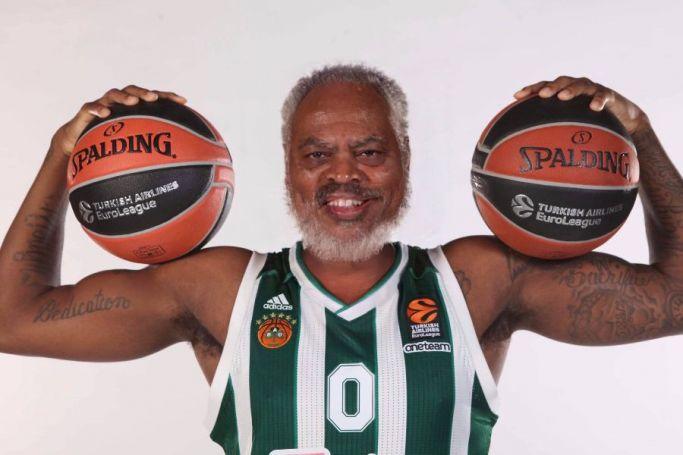 Η ΚΑΕ Παναθηναϊκός μετέτρεψε τους παίκτες σε… παππούδες! (pics)   panathinaikos24.gr