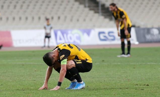 Ένταση με Μπάρκα και οπαδούς της ΑΕΚ, ξέσπασε σε λυγμούς ο Μάνταλος! | panathinaikos24.gr