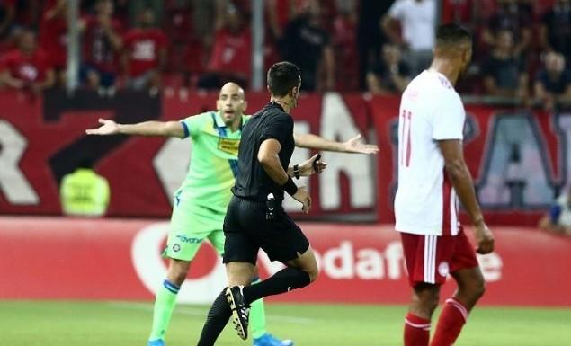 Σκάνδαλο και με VAR: Δε δόθηκε πέναλτι- μαρς στον Αστέρα- «Φύγε Κουμπαράκη» φώναζε ο Καραπαπάς! (vid) | panathinaikos24.gr