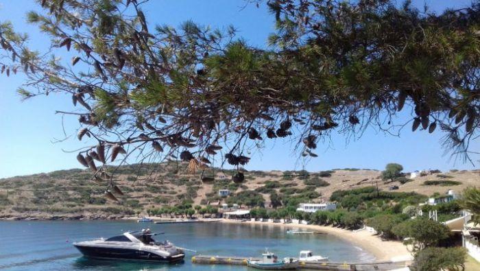 10 δωμάτια, 1 εστιατόριο: Το ελληνικό νησί που κάνεις βασιλικές διακοπές αν καταφέρεις να βρεις δωμάτιο (Pics) | panathinaikos24.gr