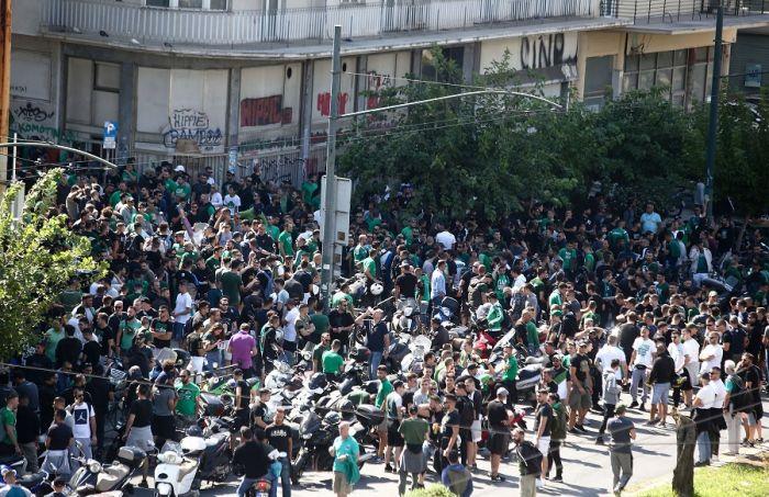 Στο κλειστό του ΟΑΚΑ η πορεία – Συνθήματα κατά Αλαφούζου   panathinaikos24.gr