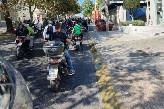 Έξω από το σπίτι του Αλαφούζου η μηχανοκίνητη πορεία των οπαδών! (Pics) | panathinaikos24.gr