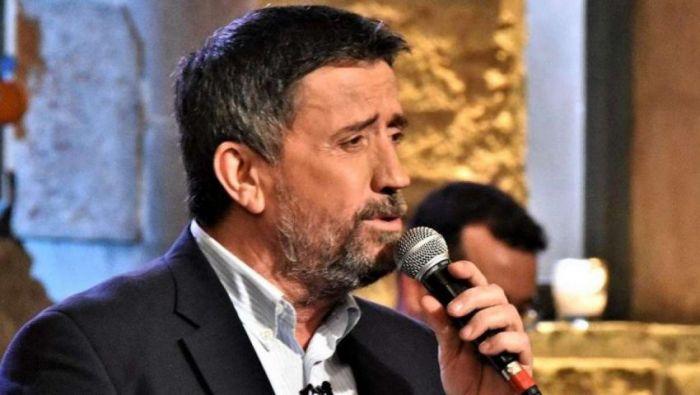 Δεν το πίστευε ούτε ο Παπαδόπουλος: Πήγε στο «Στην Υγειά μας» ο τραγουδιστής που δεν εμφανίζεται ποτέ σε εκπομπές (Pic) | panathinaikos24.gr