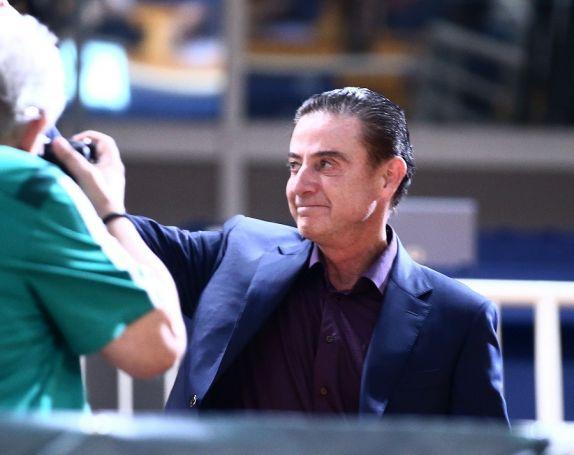 Αποθέωση στο ΟΑΚΑ: Η βράβευση στον Ρικ Πιτίνο! (vid) | panathinaikos24.gr