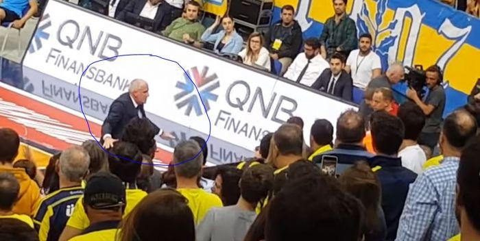 Τρελάθηκε ο Ζοτς με τους οπαδούς της Φενέρ: «Finished» (vid) | panathinaikos24.gr