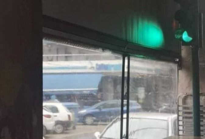 Απίστευτο κι όμως αληθινό: Φανάρι στην Πάτρα βρίσκεται μέσα σε… καφετέρια | panathinaikos24.gr