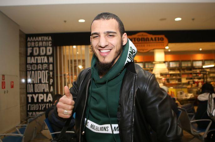 Παναθηναϊκός: Έφτασε στην Αθήνα ο Αγιούμπ | panathinaikos24.gr
