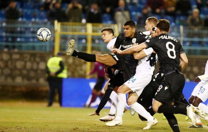 Κόλλησε το VAR στο Λαμία – ΠΑΟΚ και το ματς συνεχίζεται… με τον παλιό τρόπο! | panathinaikos24.gr