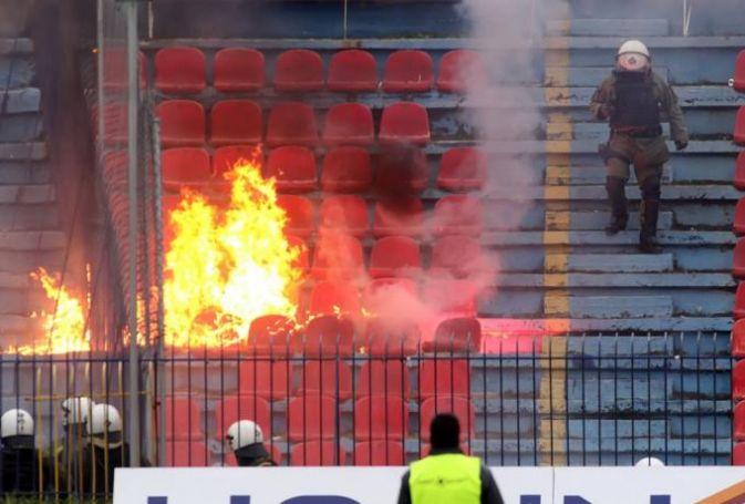 Φωτιές και χάος στη Νέα Σμύρνη – Φωτογραφίες ΣΟΚ   panathinaikos24.gr