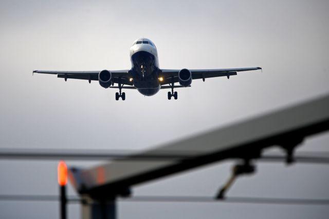 Πανικός σε πτήση από την Αθήνα: Επεσαν μάσκες οξυγόνου (pic) | panathinaikos24.gr