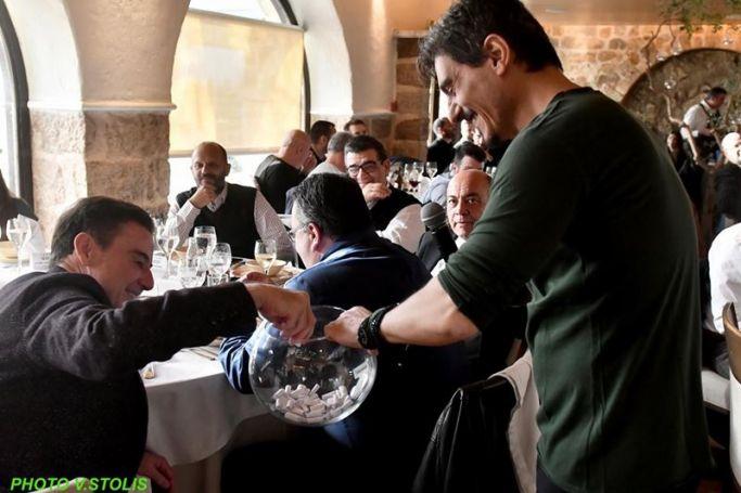 Παναθηναϊκός: Έκοψε την πρωτοχρονιάτικη πίτα η ΚΑΕ, τα φλουριά σε Βουγιούκα και Αρώνη (Pics) | panathinaikos24.gr