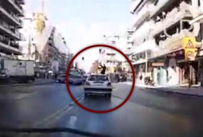 Σοκαριστικό Βίντεο: Αυτοκίνητο παρέσυρε νεαρή γυναίκα στο κέντρο της Θεσσαλονίκης | panathinaikos24.gr