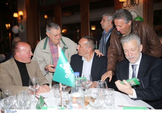 Βραβεύτηκε ο Δώνης στην κοπή πίτας των παλαιμάχων του Παναθηναϊκού (pics)   panathinaikos24.gr