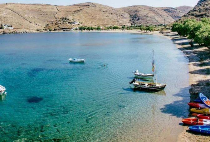 1,5 ώρα απ' το Λαύριο, 92 παραλίες: To μικρό νησί που θεωρείται ο πιο ασφαλής προορισμός για το καλοκαίρι του '20 (Pics) | panathinaikos24.gr