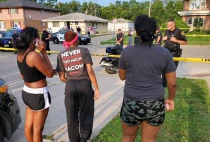 Σοκαριστικό: Αστυνομικοί πυροβολούν Αφροαμερικάνό μπροστά στα παιδιά του (vid) | panathinaikos24.gr