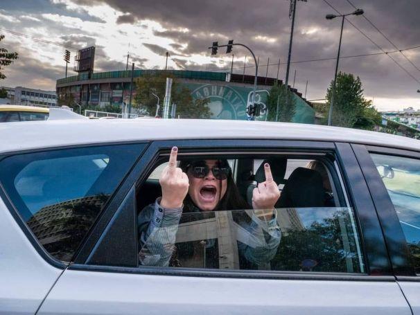 Εκτός εαυτού η Ουρανία Μιχαλολιάκου: «Γ@@@ τις μάνες σας, μ@@@@πανα» (vid) | panathinaikos24.gr