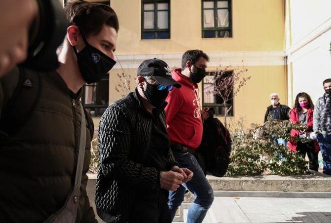 Νότης Σφακιανάκης: Μέσα στο τμήμα έβγαζε φωτογραφίες και μοίραζε αυτόγραφα (vid) | panathinaikos24.gr