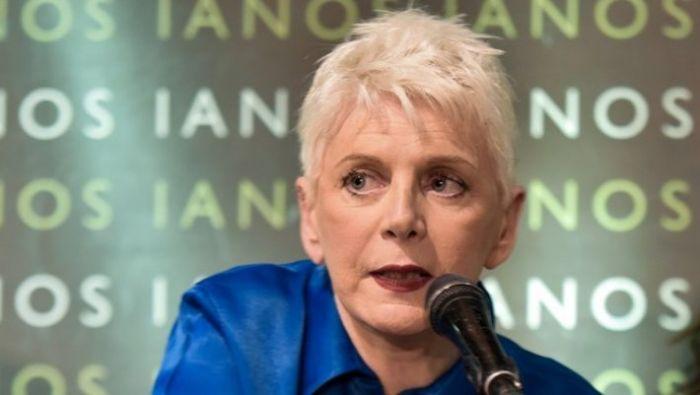 Έκρηξη της Έλενας Ακρίτα: «Εμβολιάζουν τη Σάρα, τη μάρα – Κλέβουν τη θέση ηλικιωμένων»   panathinaikos24.gr