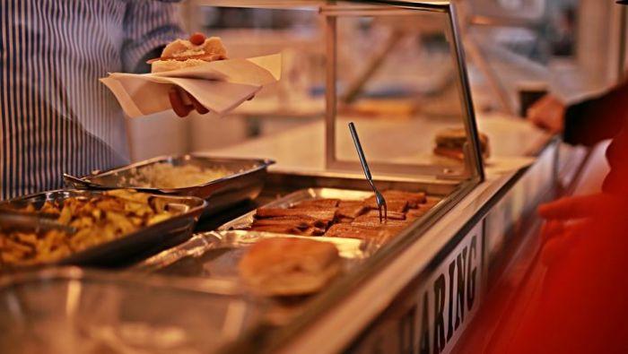Κουβέρτες τέλος: 4 νέα, φαγητά που μπαίνουν στα κυλικεία για να ζεσταθούν οι μαθητές   panathinaikos24.gr