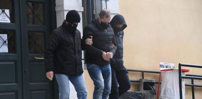 Δημήτρης Λιγνάδης: Απειλές με όπλο, βιασμός με θέα την Ακρόπολη – Τι λένε οι γείτονες | panathinaikos24.gr