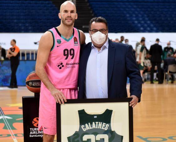Βραβεύτηκε ο Καλάθης από τον Τριαντόπουλο (Pic) | panathinaikos24.gr