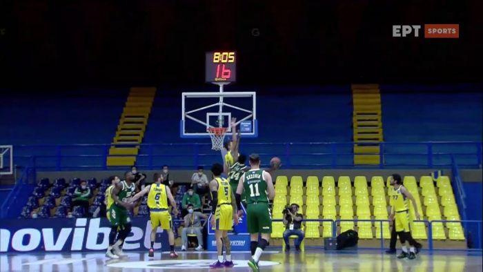 Ασταμάτητος Σαντ Ρος ευστοχεί με κρεμασμένο παίκτη πάνω του! (Vid)   panathinaikos24.gr